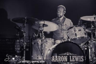 AaronLewis-31